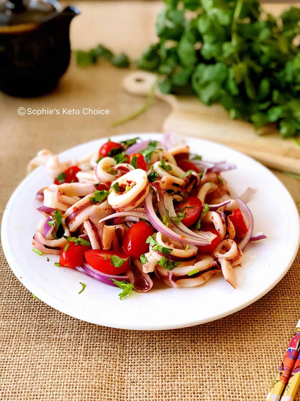 泰式涼拌花枝 Thai Sour & Spicy Squid Salad- 酸辣開胃,10分鐘搞定