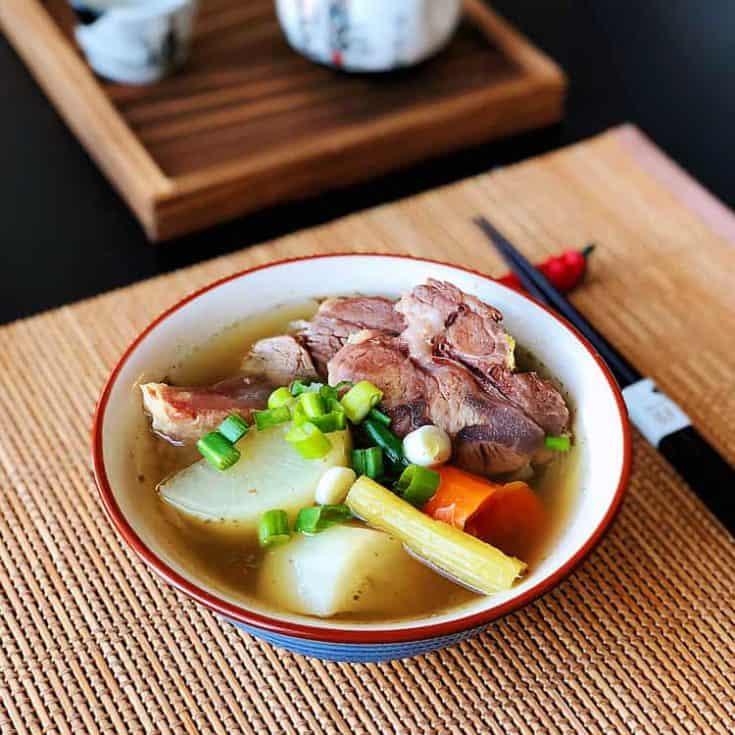 清燉牛肉湯- 不用滷包也能煮出清甜、味美、有深度的湯頭 Beef Noodle Soup
