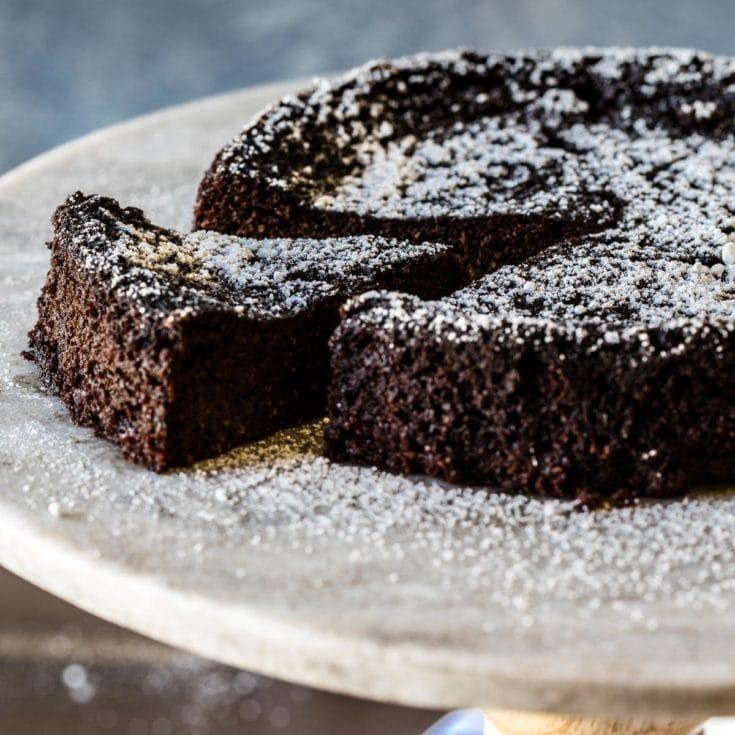 生酮巧克力蒸蛋糕 Keto Stovetop Chocolate cake 濕潤有彈性像海綿蛋糕