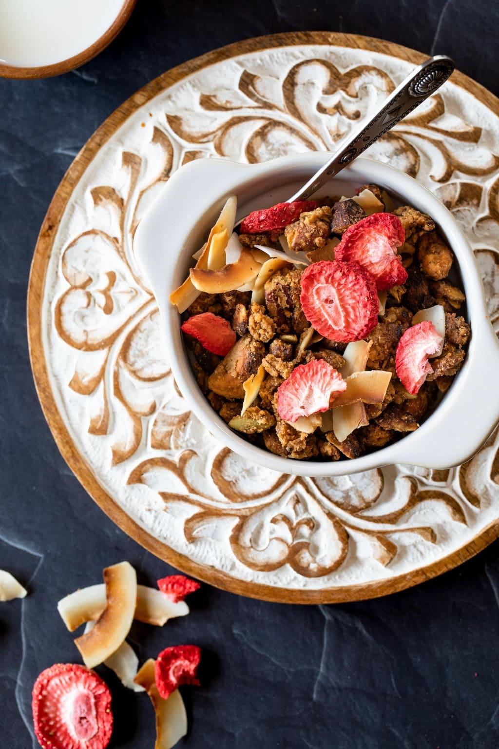 生酮草莓格蘭諾拉麥片 Keto Strawberry Granola 無穀物無糖全素無麩質