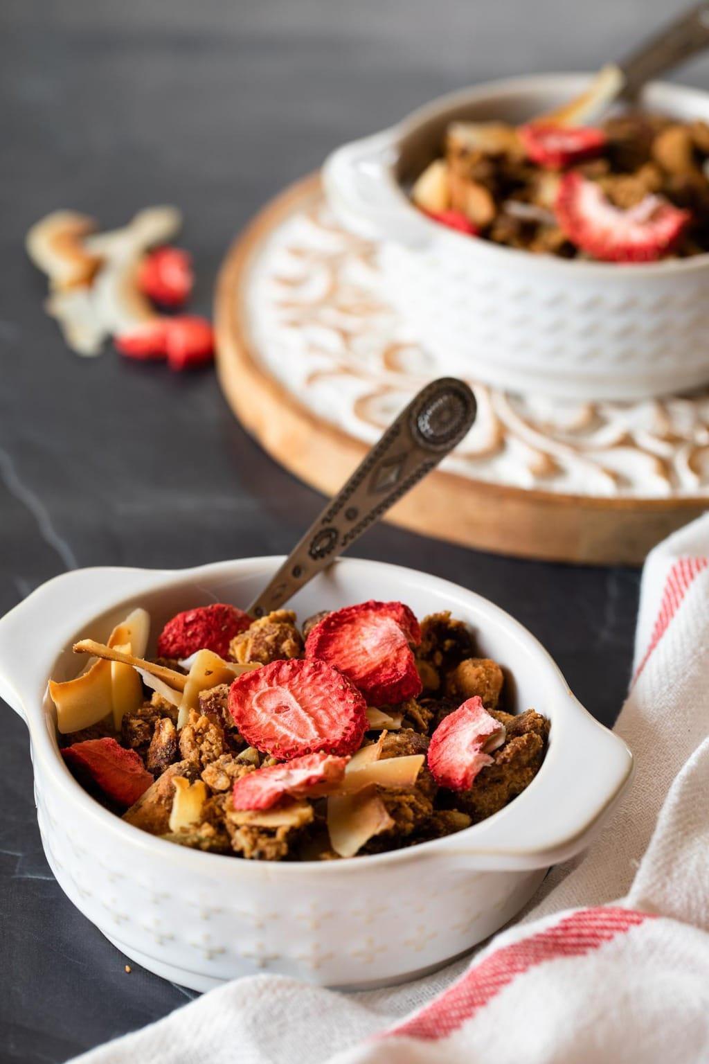 生酮草莓格蘭諾拉麥片